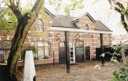 Het koetshuis de historische en eigentijdse encyclopedie van